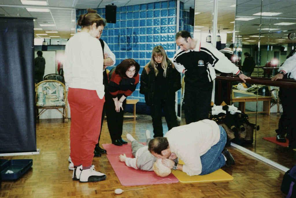 Πρακτική εξάσκηση σε σεμινάριο Καρδιοπνευμονικής Αναζωογόνησης