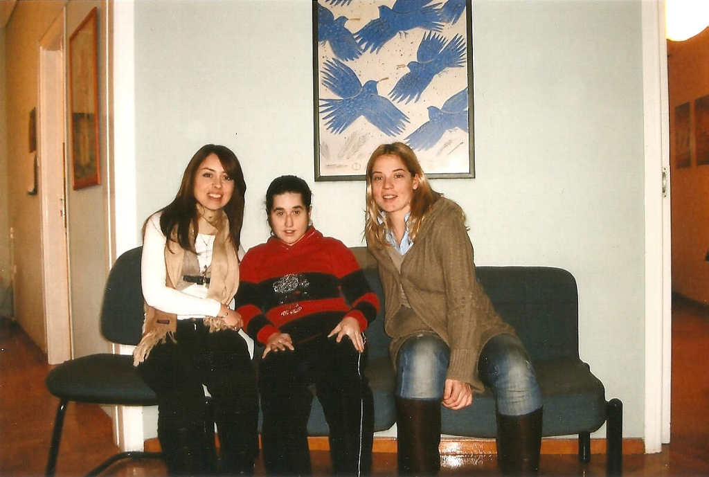 Η Κατερίνα και η Αθηνά με την Βάλια μας στα γραφεία της ΠΝΟΗΣ